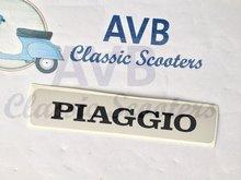 """Logo """"Piaggio"""" reliëf claxoncover voorzijde PK gewone vlakke sticker -zie ook 2044115-"""