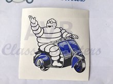 Sticker Michelinmannetje op Vespa L=80mm