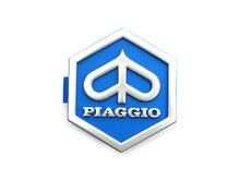 "Logo ""Piaggio"" blauw kunststof zeshoek PX, Lusso, T5, PK"