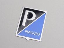 """Logo """"P/Piaggio"""" rechthoek aluminium 37x48, zelfklevend"""